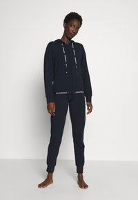 Emporio Armani - JACKET AND PANTS WITH CUFFS SET - Pyjama set - blu navy - 0