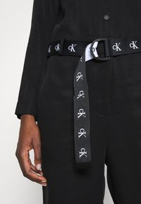 Calvin Klein Jeans - TAPERED UTILITY  - Jumpsuit - black - 6
