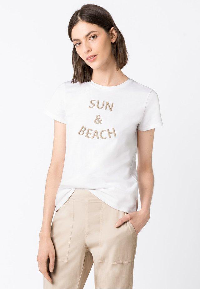 MIT STICKEREI - T-shirt imprimé - weiß