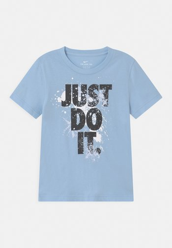 WILD RUN - Print T-shirt - psychic blue