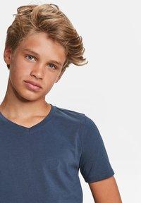 WE Fashion - Basic T-shirt - dark blue - 3