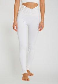 Yogasearcher - SHAPE - Legging - white - 0