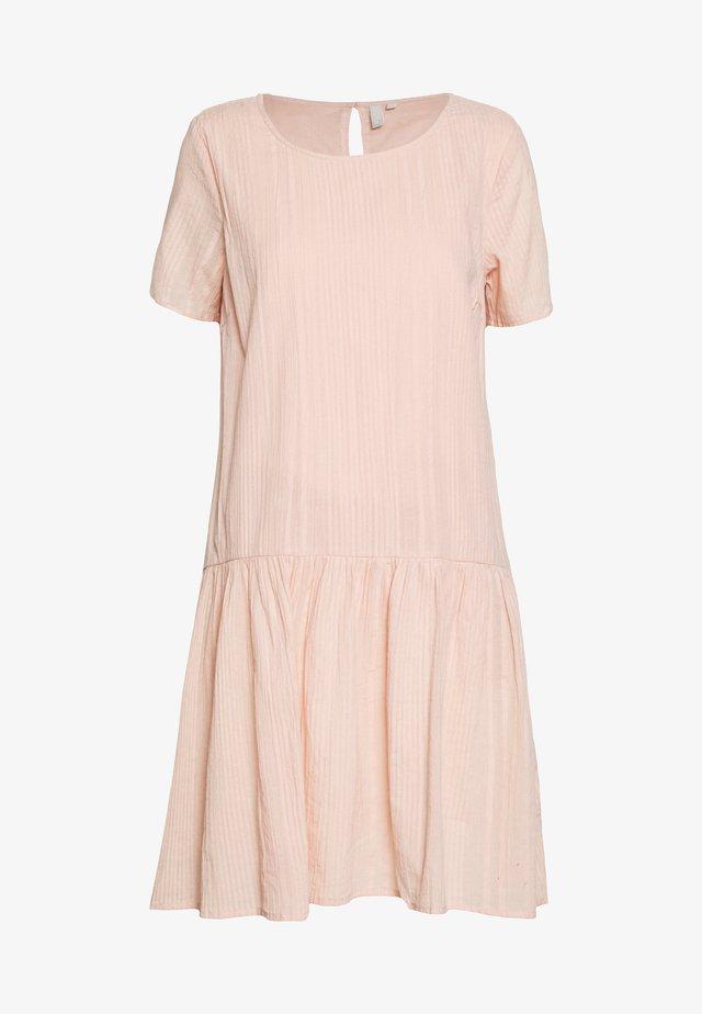 MAELA DRESS - Sukienka letnia - misty rose