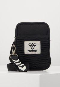 Hummel - HMLELECTRO SHOULDER BAG UNISEX - Torba na ramię - black - 0