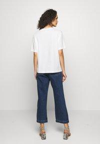Monki - TOVI TEE - Camiseta estampada - white light - 2