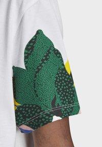 adidas Originals - HER STUDIO LONDON LOOSE T-SHIRT - Print T-shirt - white - 7