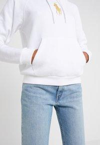 Polo Ralph Lauren - SEASONAL - Kapuzenpullover - white - 3