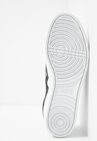 ASICS SportStyle - CLASSIC CT - Trainers - white/black - 4
