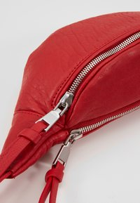 Marc O'Polo - Bum bag - lipstick red - 6