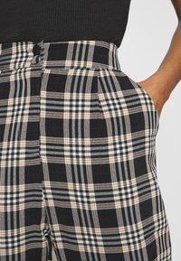 Fashion Union - VAMY TROUSER - Kalhoty - check - 5