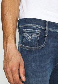 Replay - ANBASS HYPERFLEX RE-USED - Jeans slim fit - dark blue denim - 3