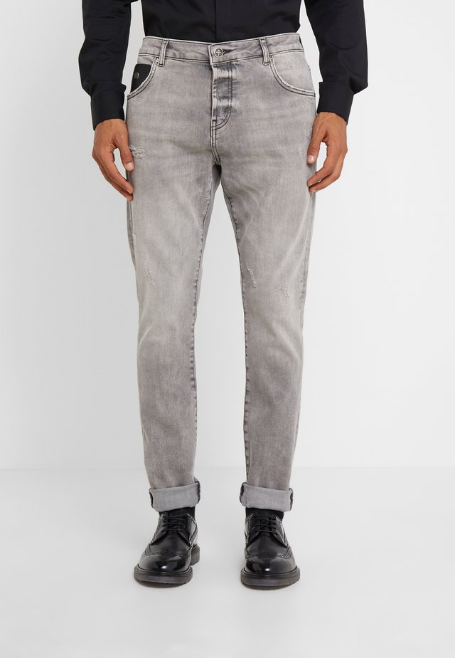 CHANCELLOR - Slim fit jeans - grey
