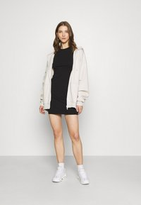 Nly by Nelly - PERFECT TEE DRESS - Jersey dress - black - 1