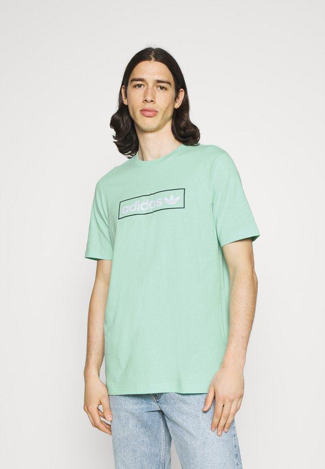 LINEAR LOGO TEE - T-shirt z nadrukiem - clear mint