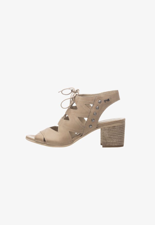 Ankle cuff sandals - champagne