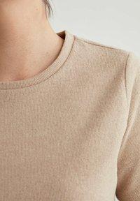 DeFacto - Basic T-shirt - light brown - 4