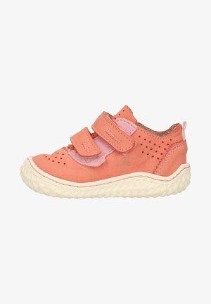 Chaussures à scratch - strawberry