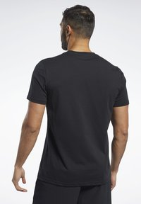 Reebok - TRAINING ESSENTIALS CLASSIC TEE - Basic T-shirt - black - 2