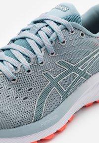 ASICS - GEL-CUMULUS 22 - Neutral running shoes - piedmont grey/light steel - 5