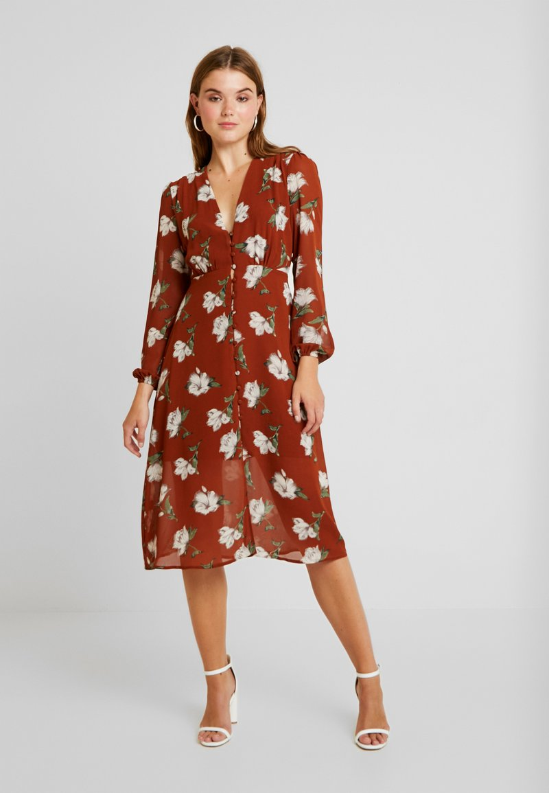 Missguided - FLORAL BUTTON DOWN MIDI DRESS - Shirt dress - brown