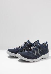 ECCO - Hiking shoes - marine/concrete - 2