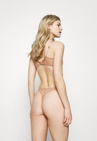 Agent Provocateur - LUCKY BRAZILIAN THONG - String - cacao - 2