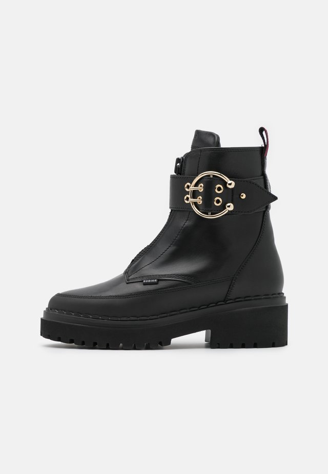 FAE RAY  - Platåstøvletter - black