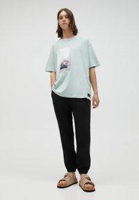 PULL&BEAR - Print T-shirt - grey - 1