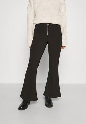NMSALLIE ZIP DETAIL PANT - Trousers - black
