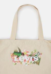 Levi's® - WOMENS SEASONAL BATWING TOTE - Tote bag - ecru - 3