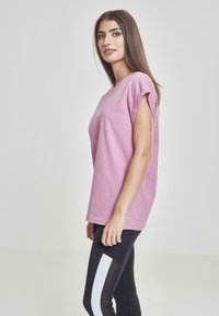 Urban Classics - EXTENDED SHOULDER TEE - Basic T-shirt - coolpink - 3
