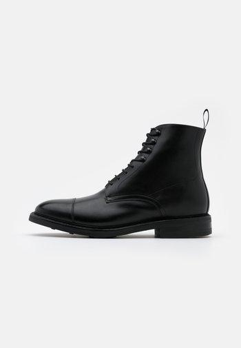 DAVID - Šněrovací kotníkové boty - orleans black