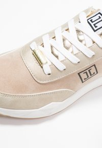 JETTE - Trainers - gold - 6
