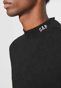 GAP - LOGO MOCK - Long sleeved top - true black - 5