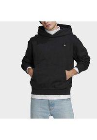 adidas Originals - PREMIUM HOODY UNISEX - Sweatshirt - black - 3