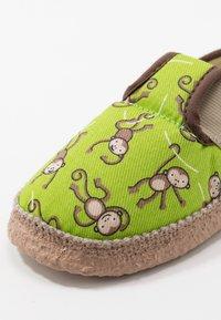 Nanga - LUSTIGE AFFEN - Domácí obuv - grün - 5