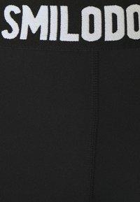 Smilodox - DAMEN LEGGINGS - Punčochy - schwarz - 5