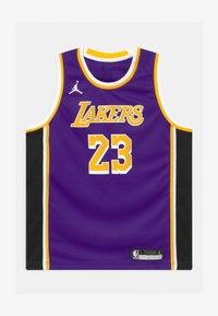Nike Performance - NBA LA LAKERS LEBRON JAMES BOYS SWINGMAN UNISEX - Fanartikel - court purple - 0
