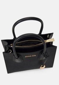 MICHAEL Michael Kors - MERCER MESSENGER - Handbag - black - 3