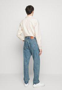 Han Kjøbenhavn - Relaxed fit jeans - heavy stone - 2