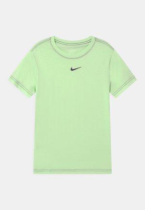 Basic T-shirt - vapor green/grand purple