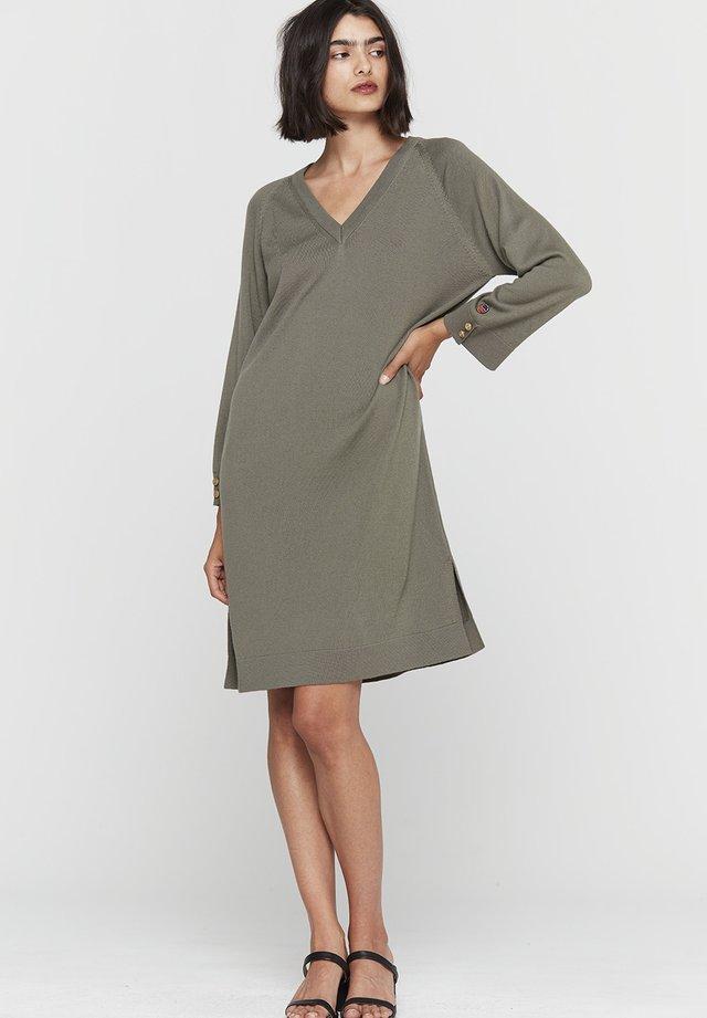 Strikket kjole - olive