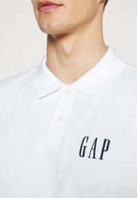 GAP - LOGO - Polo shirt - optic white - 5