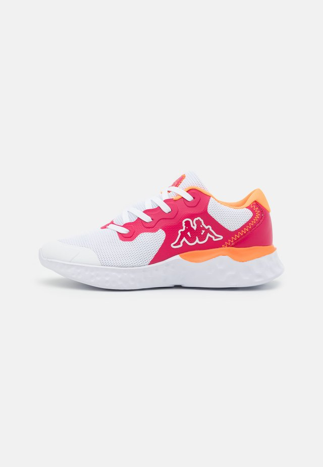 ZIBO - Scarpe da fitness - white/pink