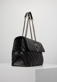 Kurt Geiger London - KENSINGTON BAG - Borsa a mano - black - 3