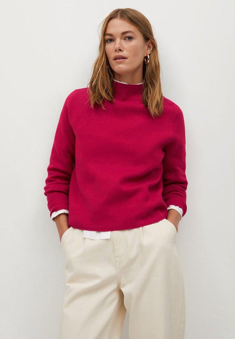 Mango - CHIMNEY - Maglione - růžovočervená