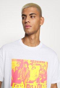 Vintage Supply - SEX PISTOLS GRAPHIC TEE - Print T-shirt - white - 3