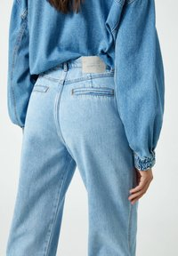 PULL&BEAR - Jeansy Relaxed Fit - blue-grey - 4