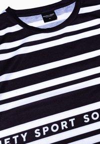 Society Sport - Print T-shirt - black/white - 2