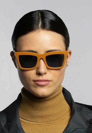 GRIP 01 - Sunglasses - caramel